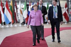 Merkel a su llegada a la cumbre europea.