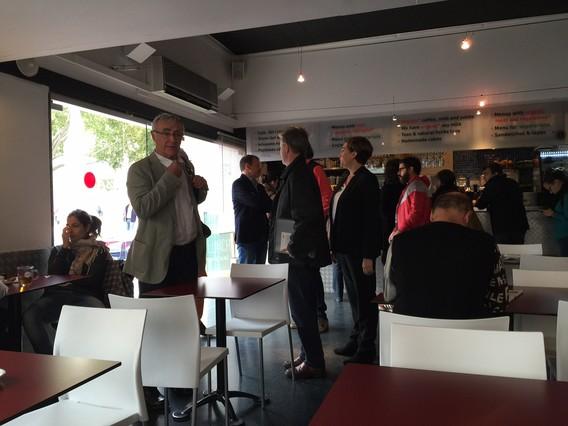 Ada Colau, Joan Ribó y Pedro Santisteve, este miércoles en la cafetería del CCCB