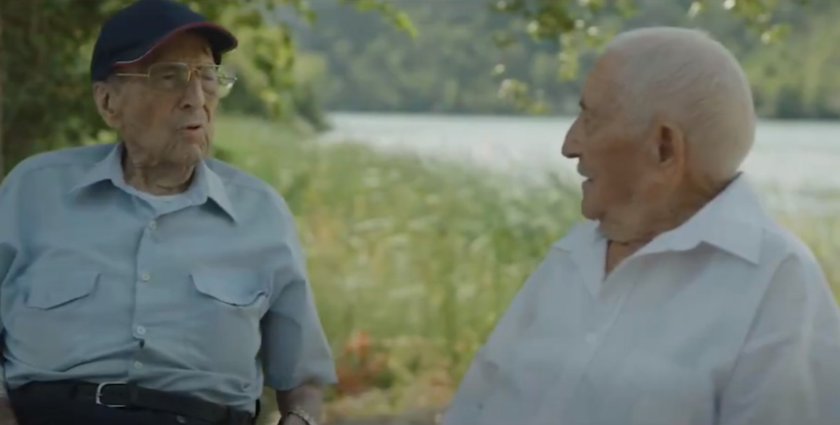 Conversación de dos excombatientes de la batalla del Ebro en un vídeo del PSOE.