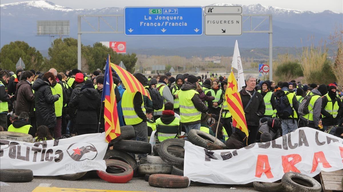 Corte en la AP-7 en Figueres por parte de los CDR.