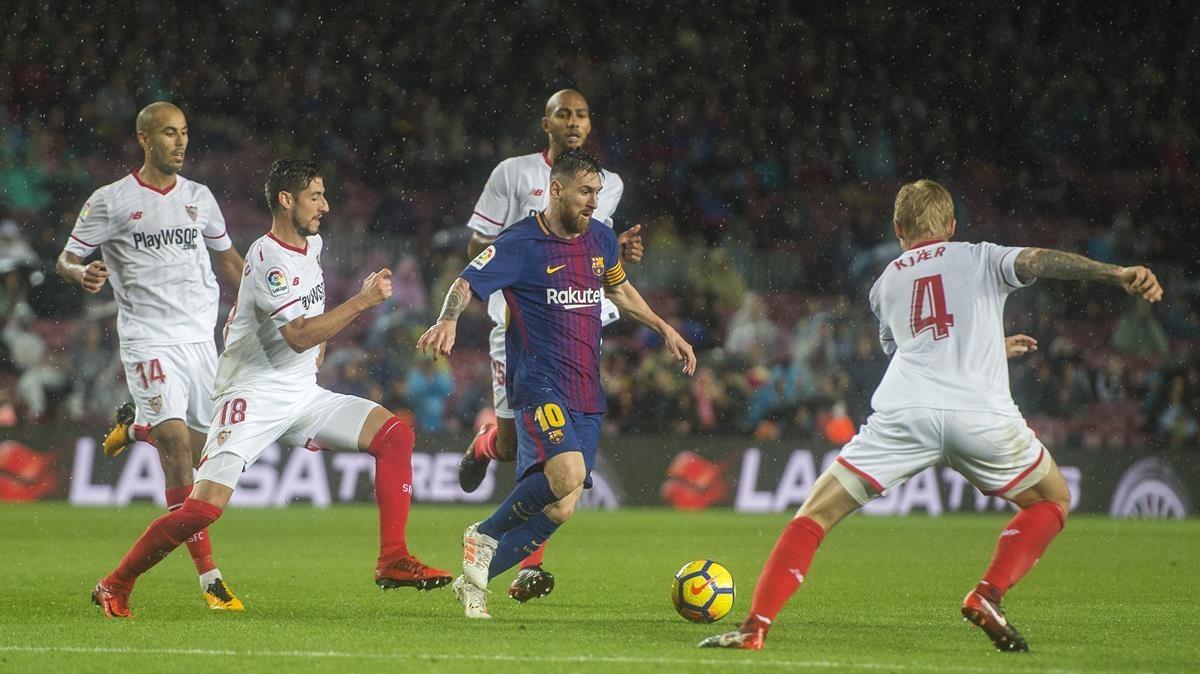 Messi, durante el partido de Liga Barça-Sevilla, el pasado mes de noviembre.