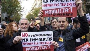 Concentración en Barcelona frente a la delegación de Gobierno contra el despido por bajas médicas.