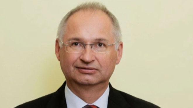 Un diputado esloveno dimite tras contar que una vez robó un bocadillo.