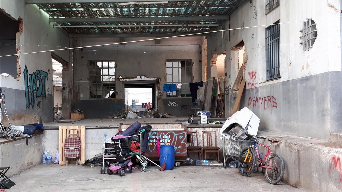 Les antigues fàbriques tèxtils del Vallès, refugi per als sensesostre