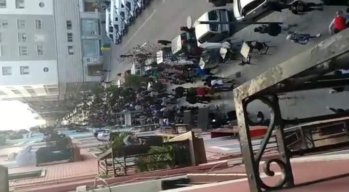La Ertzaintza carga en Bilbao tras un mitin de Vox.