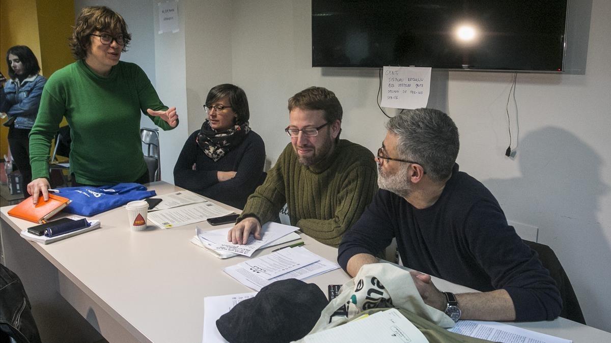 Eulàlia Reguant,Mireia Boya,Vidal Aragonés y Carles Riera, en el consell polític de la CUP.