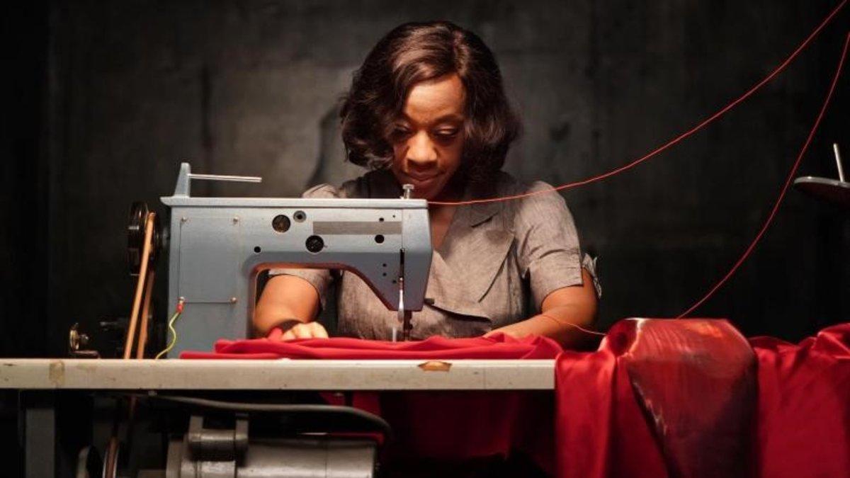 Fotograma de 'In fabric', de Peter Strickland