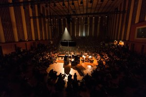 La sala principal de la Funkhaus acoge multitud de conciertos, como este de Nils Frahm.