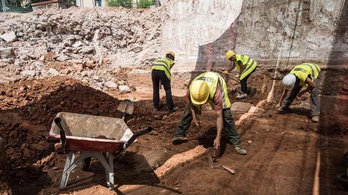 Hallada una necrópolis en el lugar donde se ubicaban los antiguos juzgados de Barcelona. Jordi Serra, arqueólogo director, explica el descubrimiento.