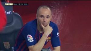 Andrés Iniesta, en el banquillo del Camp Nou.