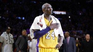 Subhastada una tovallola utilitzada per Kobe Bryant per 30.000 euros