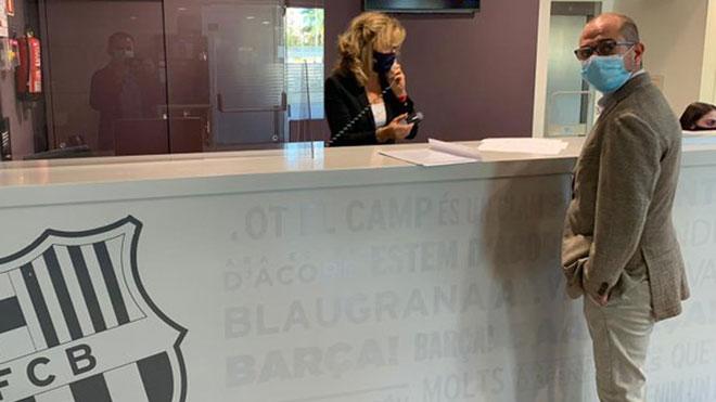 Jordi Farré, precandidato a las elecciones del Barcelona en 2015 y quien ya se ha postulado para los próximos comicios, solicitó este miércoles en las oficinas del club una moción de censura contra Josep Maria Bartomeu y toda su junta directiva.