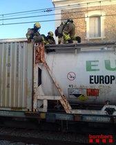 Tall a Rodalies per la fuita d'un producte químic d'un tren a Riudellots de la Selva