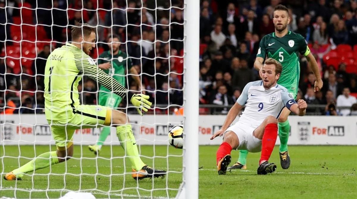 Kane bate desde cerca a Oblak y certifica el triunfo de Inglaterra ante Eslovenia.