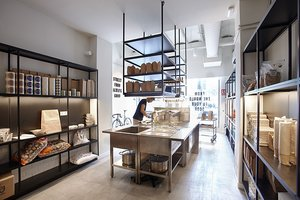 Así es el interior de la cocina de Kraving Kitchens, en el Eixample de Barcelona.