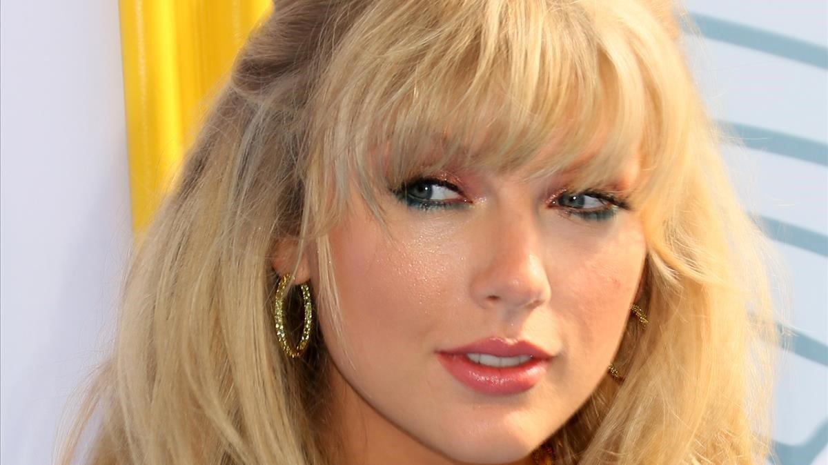 Taylor Swift paga les despeses universitàries d'una fan