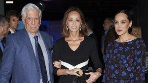 Mario Vargas Llosa, Isabel Preyser y Tamara Falcó, ayer en Madrid.
