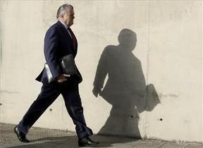 El extesorero del PP Luis Bárcenas se dirige al juicio del caso Gürtel.