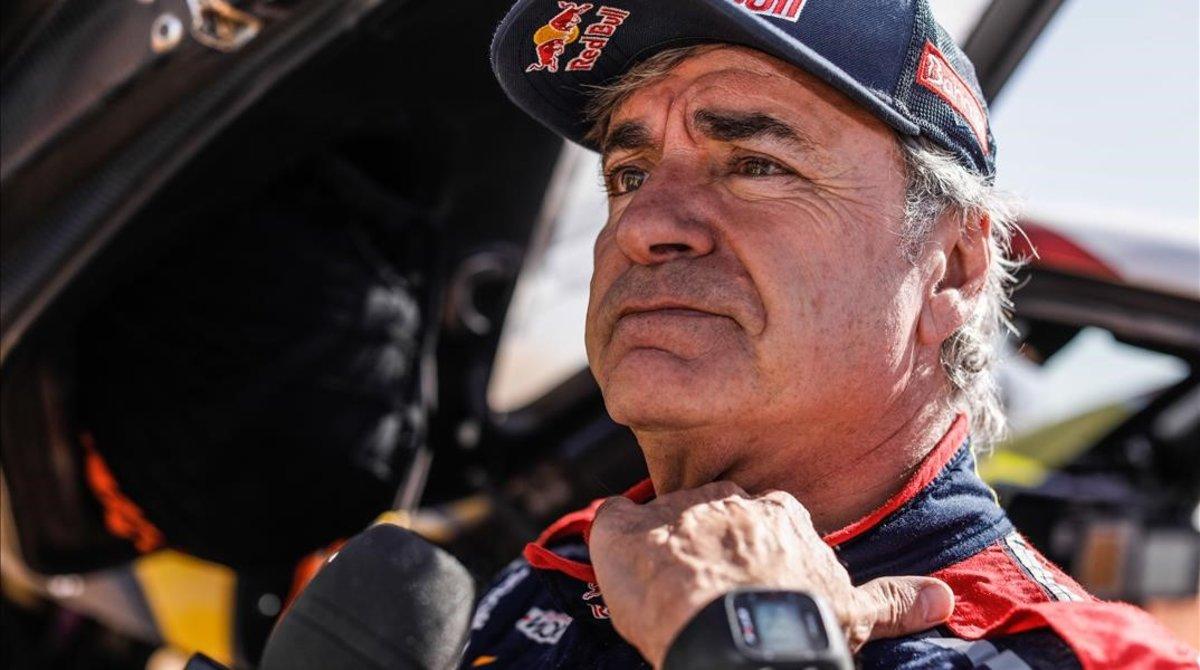 El madrileño Carlos Sainz (Mini) mantiene el liderato del Dakar.