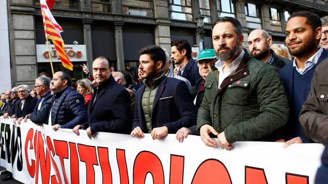 Manifestación en Barcelona por el Día de la Constitución española.