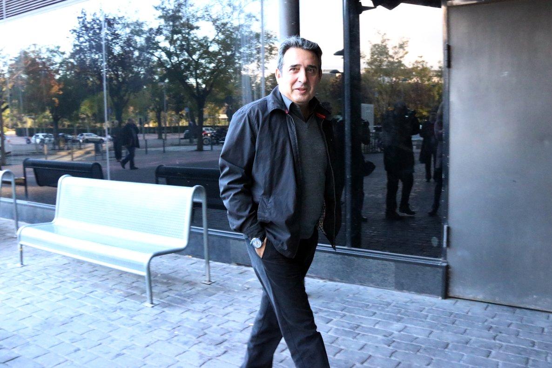 Manuel Bustos, exalcalde de Sabadell, en los juzgados.