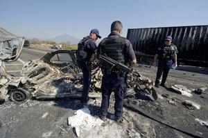 El crimen organizado amenaza la economía de México.