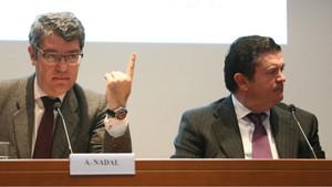 El ministro de Energía, Álvaro Nadal, y el presidente de Endesa, Borja Prado, en un foro energético.