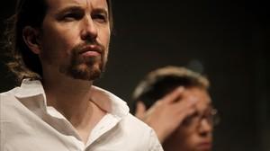Pablo Iglesias e Íñigo Errejón tras conocer los resultados electorales, el 26-J.