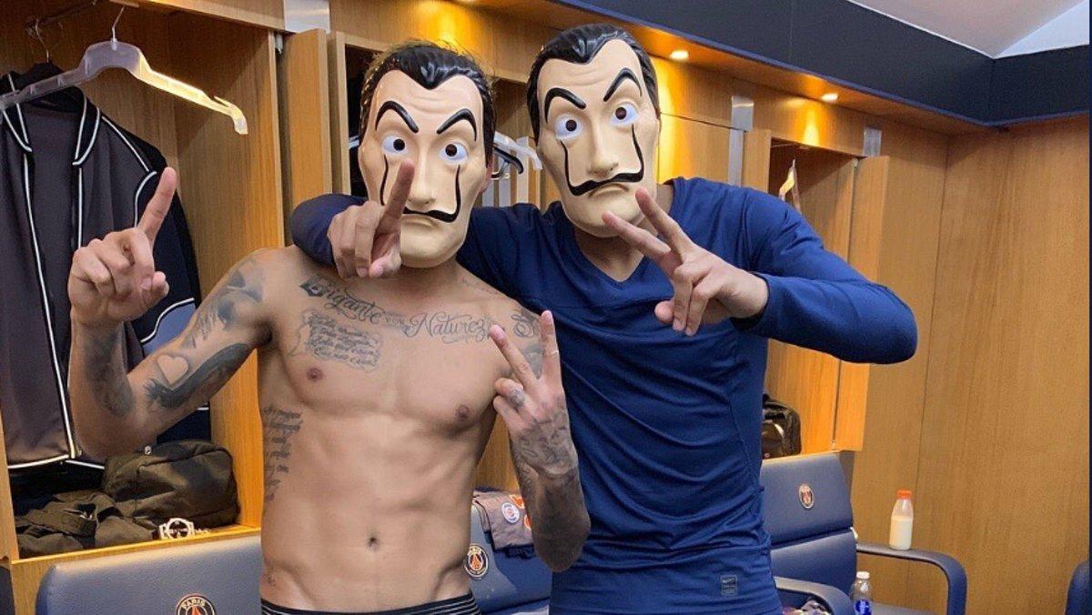 Mbappé y Neymar, con las caretas de 'La casa de papel', en la foto que han colgado en Twitter.
