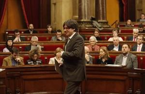El President de la Generalitat, Carles Puigdemont en el Ple del Parlament
