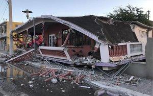 Derrumbes en Puerto Rico por terremoto.