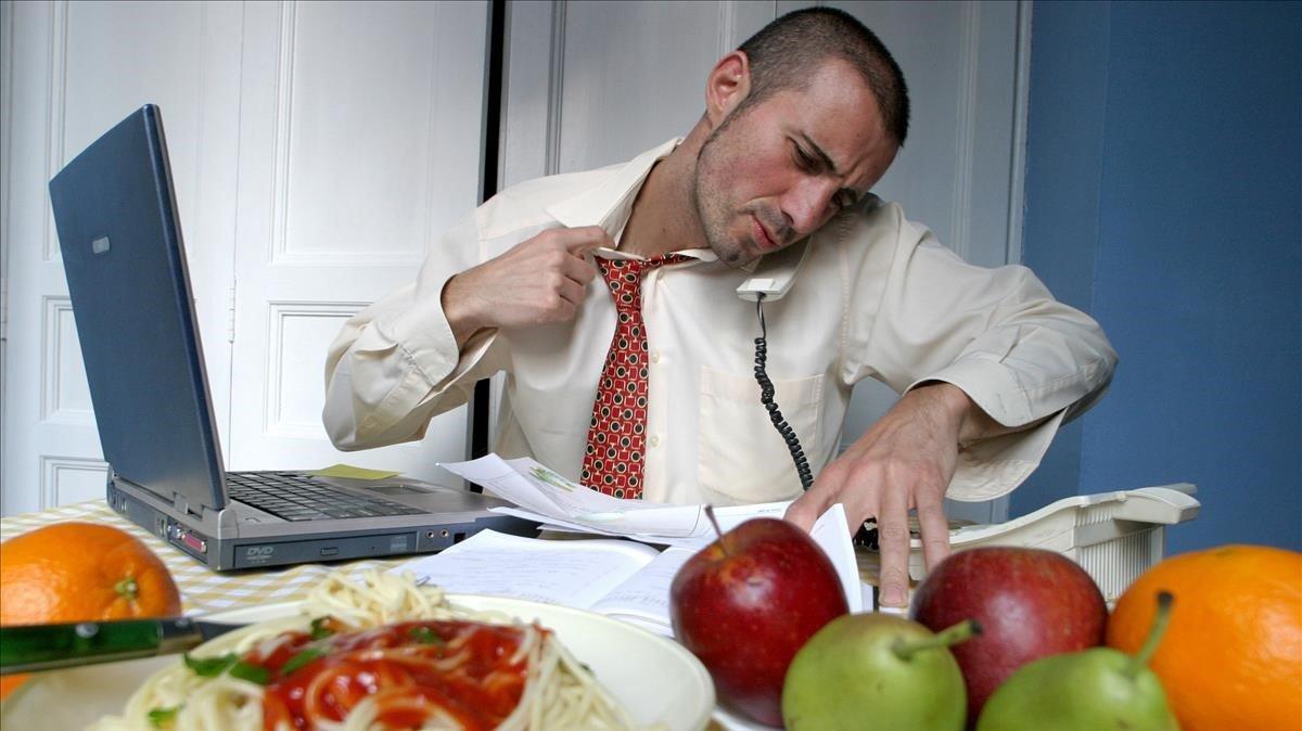 Los alimentos ultraprocesadosagravanel estrés.