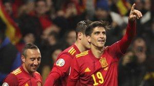 Gerard Moreno, a la derecha, celebra uno de sus goles.