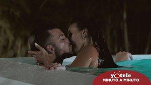 Rubén y Fani en la piscina de 'La isla de las tentaciones'.
