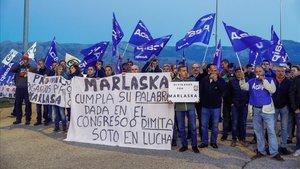 Concentración de funcionariosen la mañana de este miércoles a las puertas de la prisión de Soto del Real (Madrid).