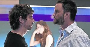 Paco León se encara con Juan Pablo Raba en una escena de 'Siete años'.