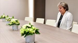 Theresa May, en uno de los momentos de la cumbre en Bruselas.