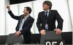 Toni Comín y Carles Puigdemont, en el Parlamento Europeo.