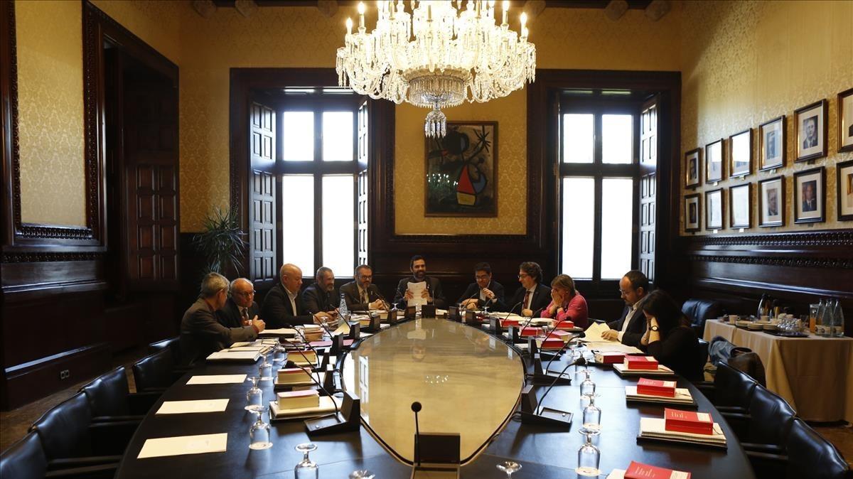 Una reunión de la Mesa del Parlament.