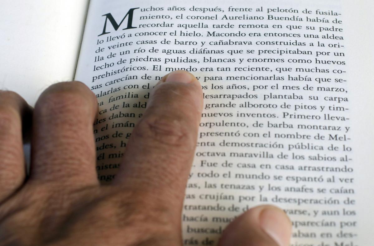 Fragmento de la novela Cien años de soledad, del fallecido escritor colombiano y premio Nobel, Gabriel García Márquez.