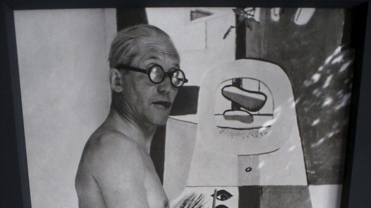 Retrato de Le Corbusier.