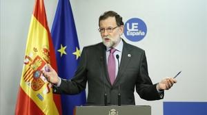 Rajoy, durante la rueda de prensa posterior a la cumbre de los 27 en Bruselas.