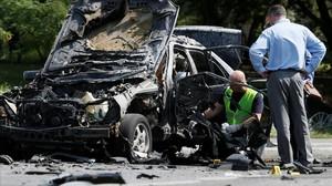 Restos del coche del coronel ucraniano asesinado.