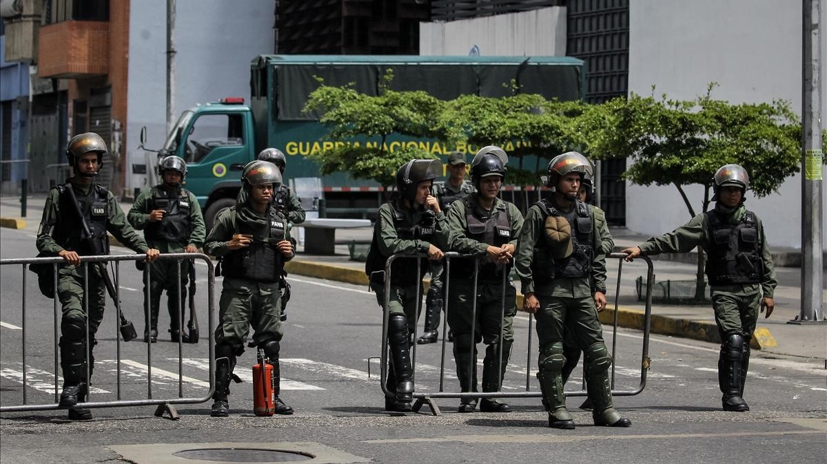 Efectivos de la Guardia Nacional en Caracas.