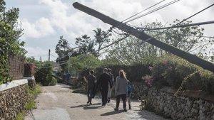 Uns 38.000 veïns es queden sense electricitat a Menorca per un tornado