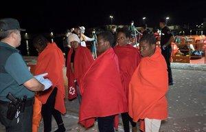Rescatades 219 persones i el cadàver d'una dona al mar d'Alborán