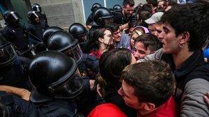 Concentración para evitar el desalojo de Tamara en la calle Sant Bartomeu