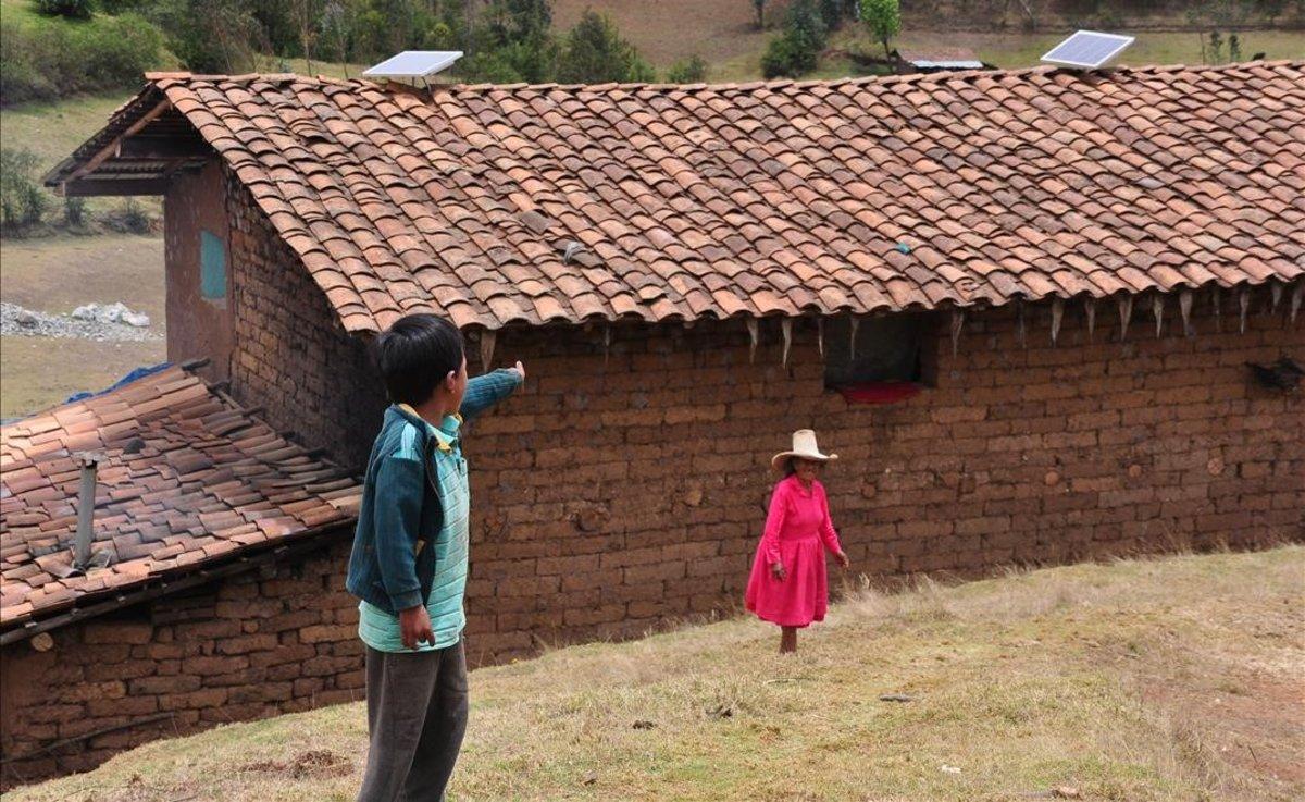 Sistemas fotovoltaicos domiciliarios de la Fundación acciona.org en la región peruana de Cajamarca.