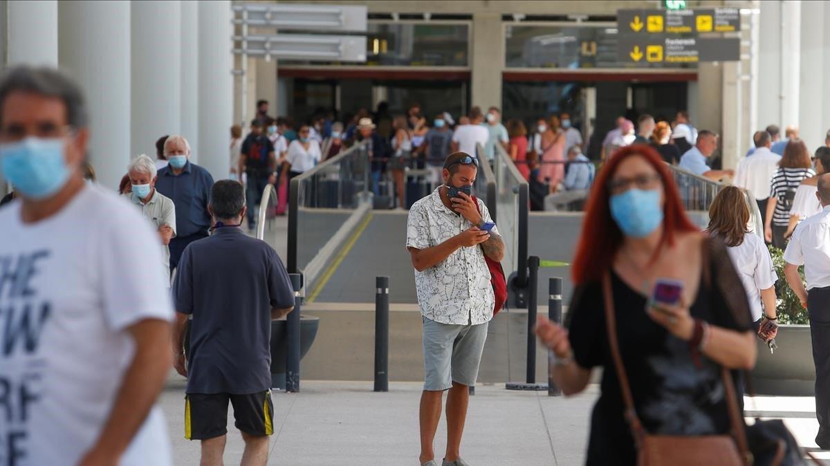 Els aeroports d'Aena van registrar un milió de passatgers al juny