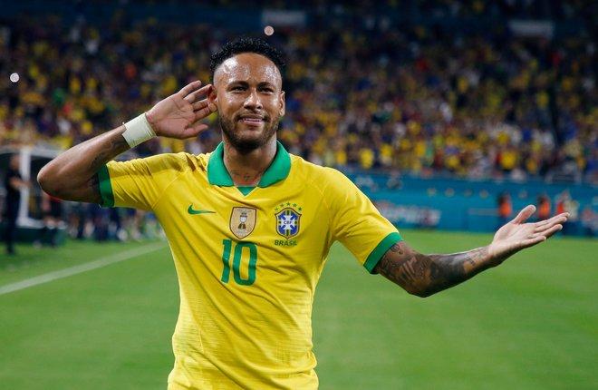 Neymar torna amb un gol i una assistència en un amistós amb el Brasil